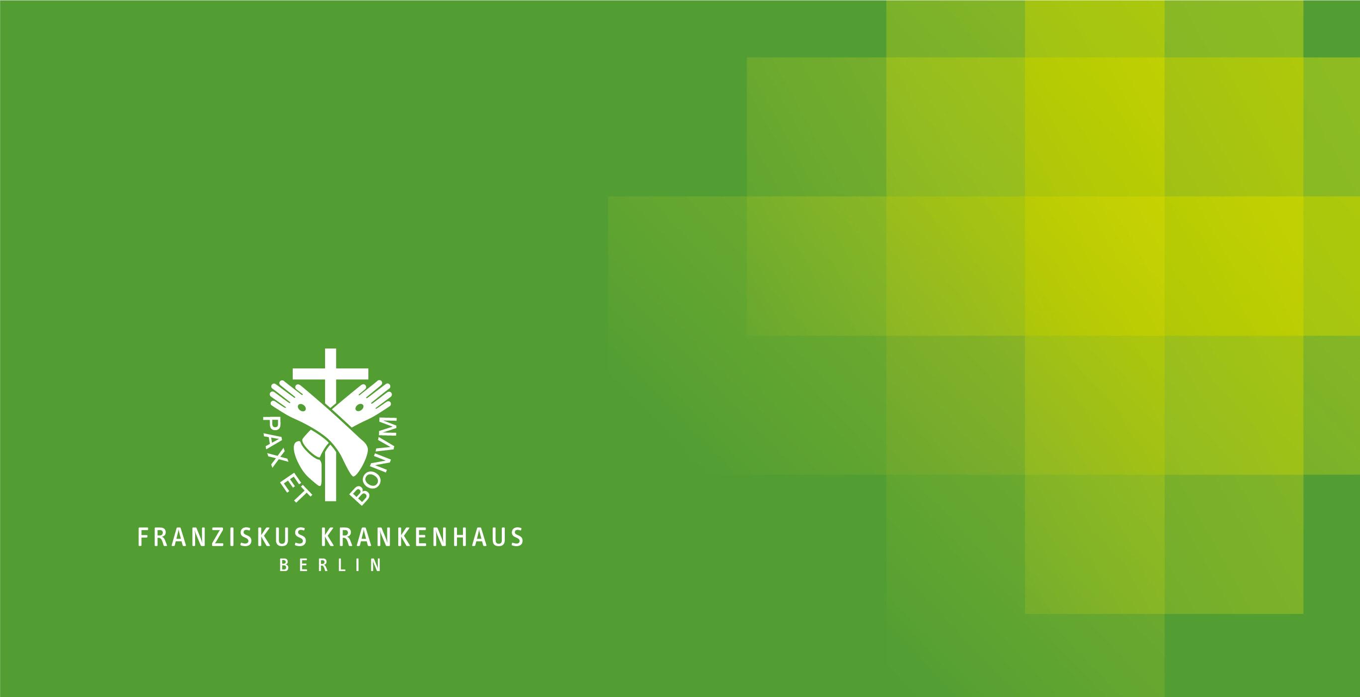 Ein stilisiertes gelbgrünes Kreuz auf grünem Hintergrund, Key Visual eines Krankenhaus-Redesigns der Healthcare Werbeagentur mcs
